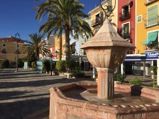 The restored fountain in the Plaza San Pedro (Sant Pere)