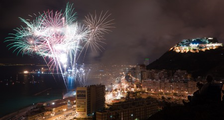 Hogueras fireworks from Playa Postiguet. Picture via Creative Commons (Flickr Sergio Ruiz)