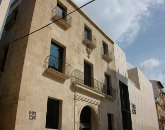 MACA: the museum of contemporary art Alicante. Housed in a converted granary, it includes pictures by Dalí, Picasso and Miró. Picture Wikimedia via Creative Commons