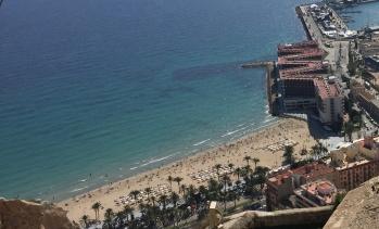 Playa del Postiguet from the heights of the Castillo de Santa Barbara