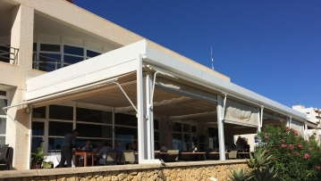 Restaurant terrace with a great view of the marina, Club Náutic, Villajoyosa